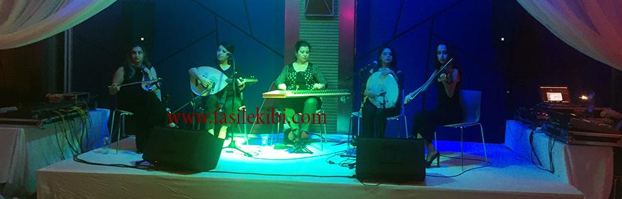 bayan müzisyen grubu